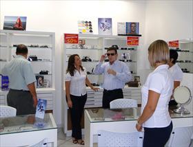 994cc2f0febaf Nova Odessa foi a cidade escolhida para receber a quarta Ótica Drogal, da  rede de drogarias Drogal. Inaugurada no último dia 3 de novembro, a nova  ótica é a ...